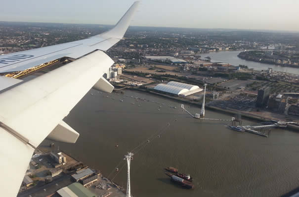 Vistas aterrizaje en London City Airport - Teleférico