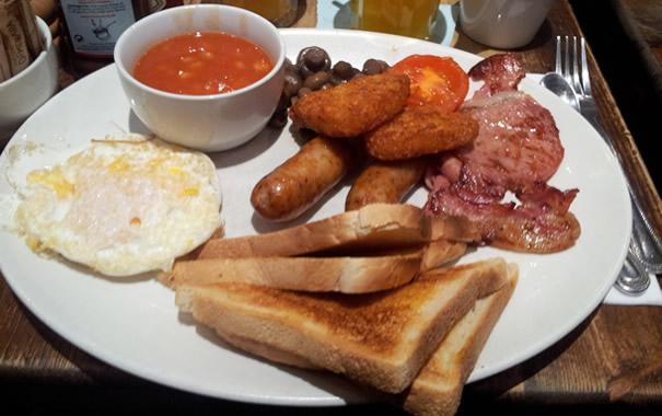 Desayuno full english