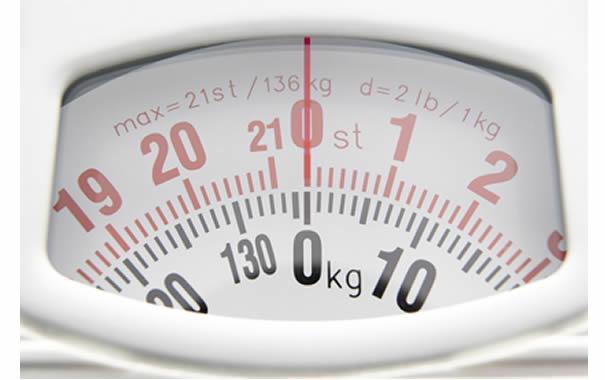 Báscula en kilos y en libras, incluyendo stone