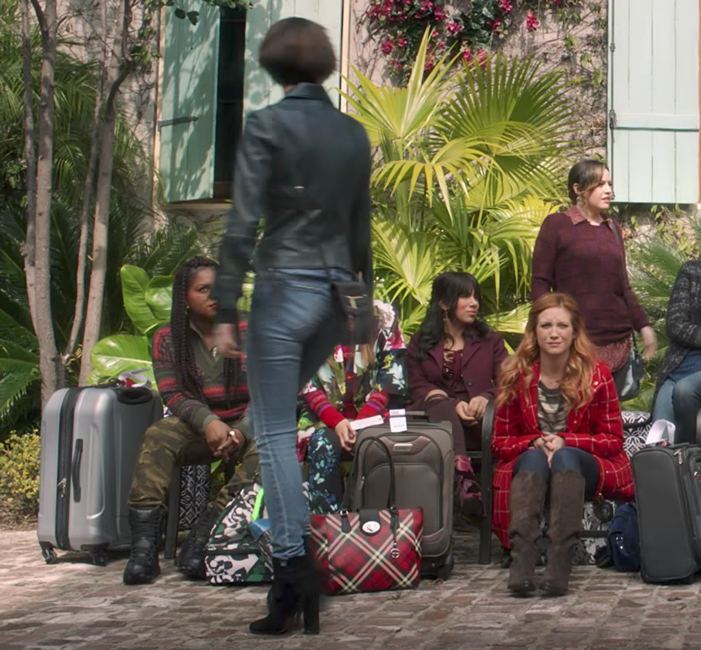 Cross-body bag Ruby Rose in Pitch Perfect 3 (2017)
