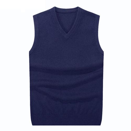 Sleeveless pullover Taran Killam in Night School (2018)