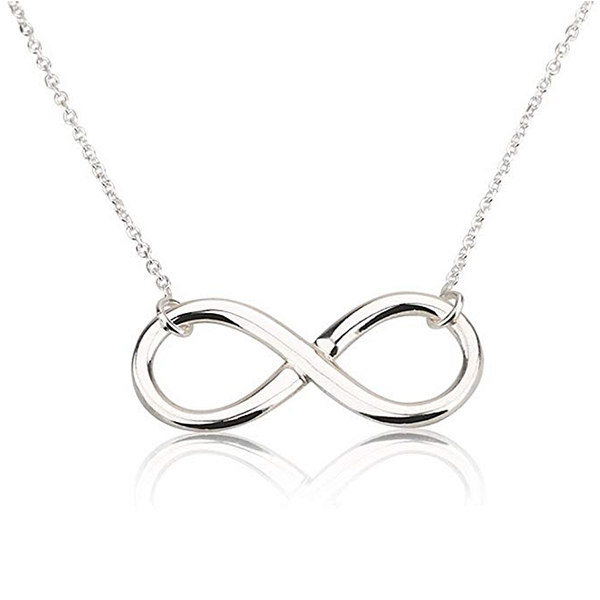 Infinity pendant necklace Josephine Langford in After (2019)