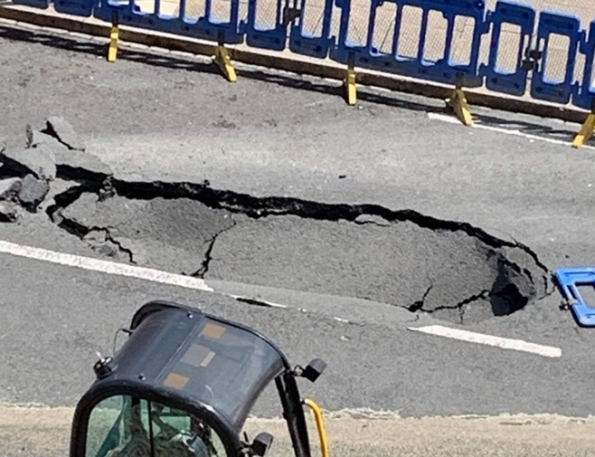 Updated: Sinkhole on Plumstead street appears to be expanding