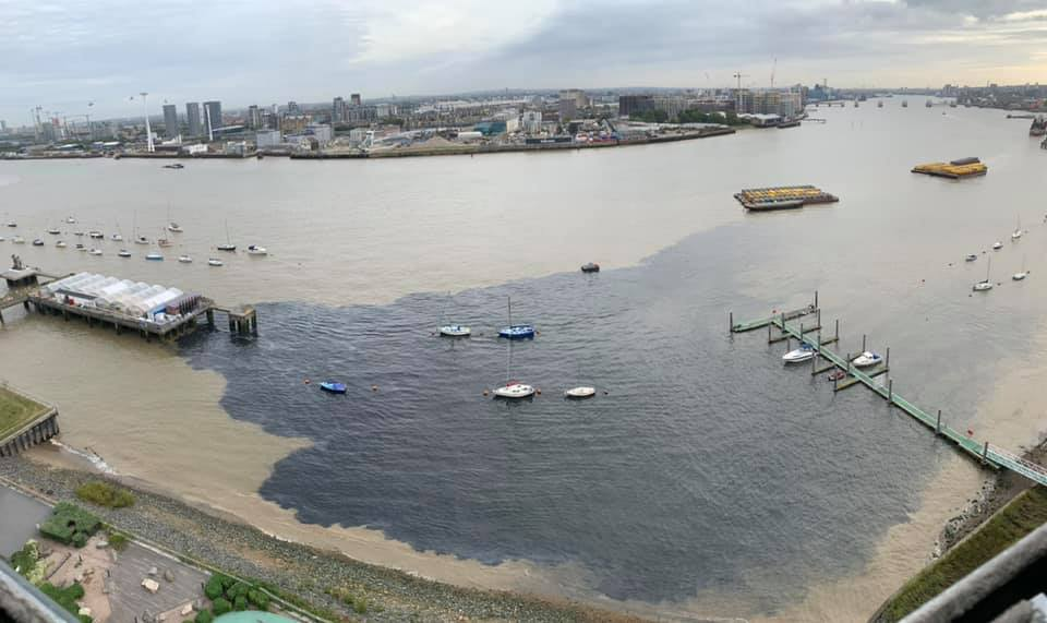 Leak appears in Thames at Greenwich
