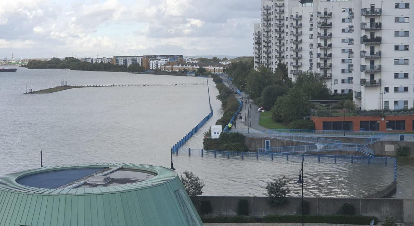Riverside paths flood as Thames Barrier closes