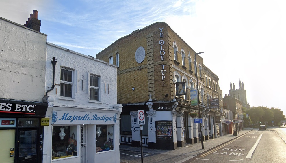 Former Greenwich pub building now comprising restaurant for sale