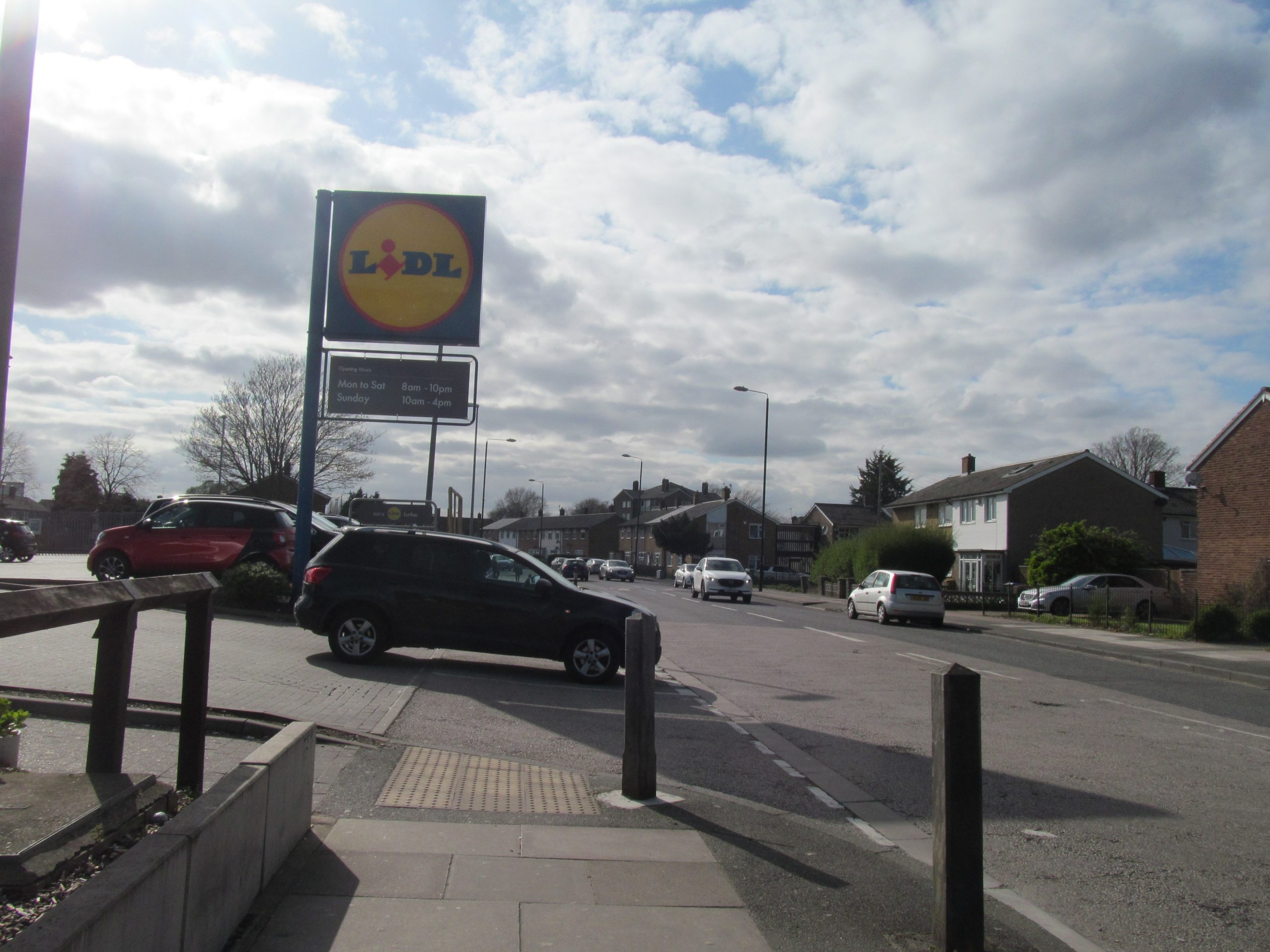 Abbey Wood Lidl closed after serious assault
