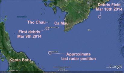 La mappa indica le aree di ritrovamento dei detriti (debris)