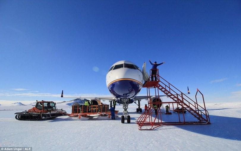 Loftleidir Icelandic Boeing 757 Union Camp 6