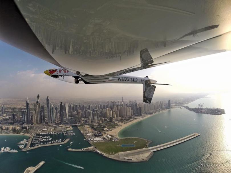 Luca Bertossio in volo su Dubai
