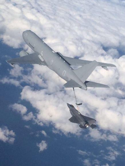 F-35 Aeronautica Militare MM7332- Refueling