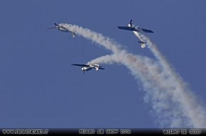 YAKITALIA - Pesaro Air Show 2016