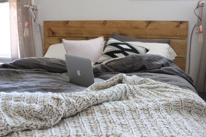 Cozy neutral bedding, gold threaded cable knit west elm blanket