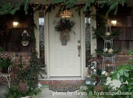 Christmas Greenery Decoration Ideas For Front Porch Appeal