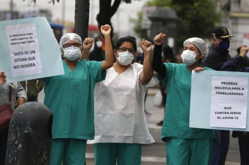 clínicas Perú