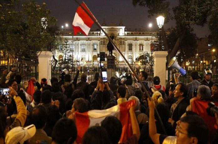 crisis Perú
