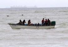 venezolanos lanzados al mar