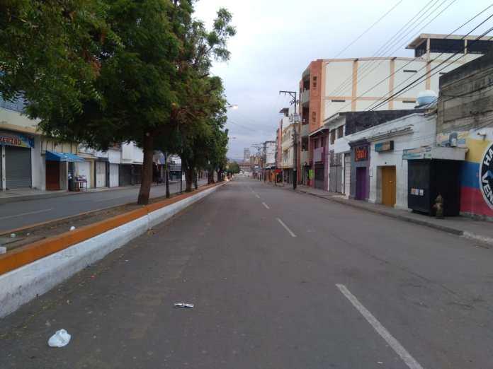 La imagen tiene un atributo ALT vacío; su nombre de archivo es Avenida-Venezuela.jpg