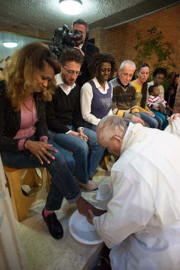 Papa-Francesco-celebra-la-messa-in-''Coena-Domini''-a-Rebibbia-22