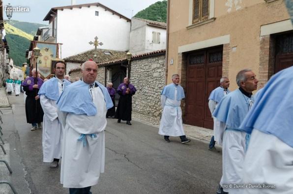 Festa-di-San-Giuseppe-da-Leonessa-(13-settembre-2015)-Processione-vescovo-Pompili-foto-Daniel-e-Daniela-Rusnac-10