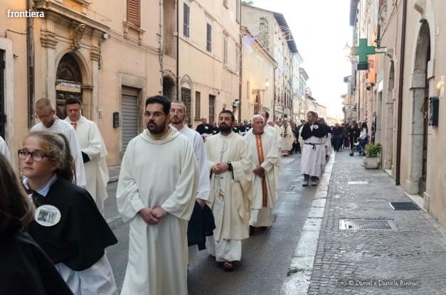 Festa-di-San-Giuseppe-da-Leonessa-(13-settembre-2015)-Processione-vescovo-Pompili-foto-Daniel-e-Daniela-Rusnac-32