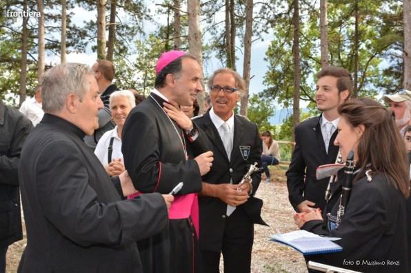 Vescovo-Domenico-Pompili-chiesa-San-Gregorio-Cantalice-foto-Massimo-Renzi-33