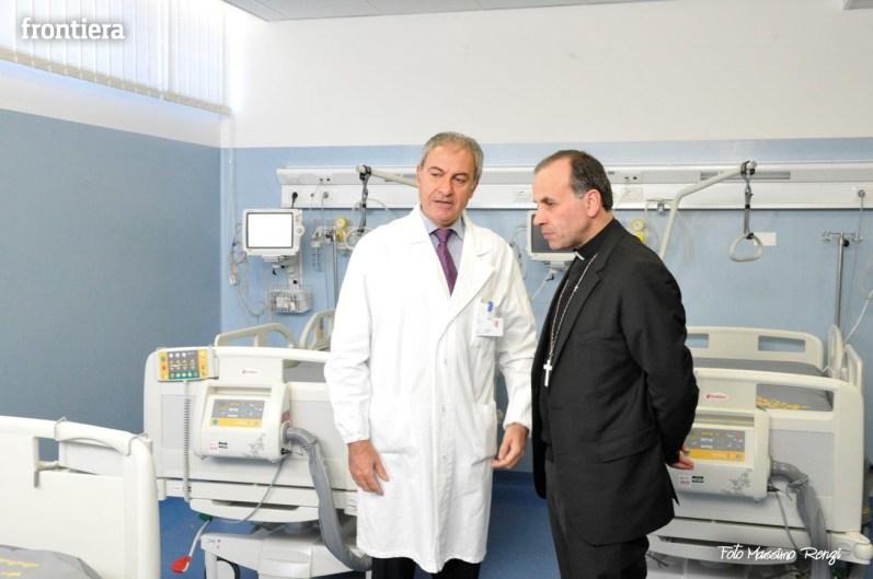 Mons-Domenico-Pompili-visita-al-De-Lellis-(22-dicembre-2012)-foto-di-Massimo-Renzi-09