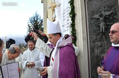 Apertura-Porta-Santa-Chiesa-Nuova-14-febbraio-2016-foto-Massimo-Renzi-28