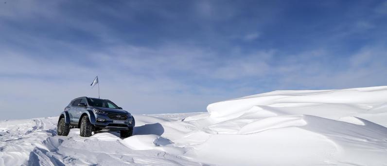 Hyundai Santa Fe 2017 Arctic Adventure 08