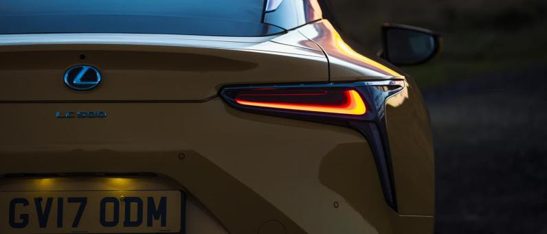 Lexus LC 500 2017 02
