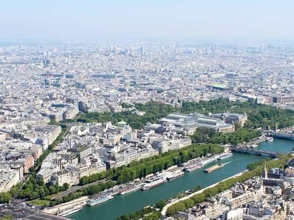 Luxury Hotels in Paris that boast excellent views, Michelin starred restaurants, spas + more.