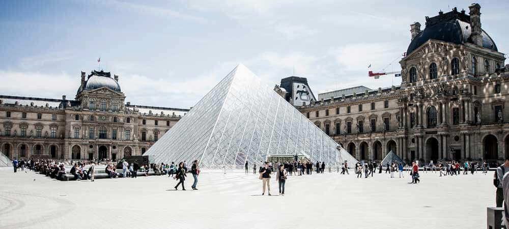 The Paris Museum Pass: Is it worth it? Visit the Louvre, Arc de Triomphe, Army Museum + more.