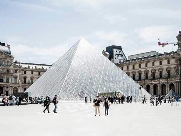 The Paris Museum Pass: Is it worth it? Visit the Louvre, Arc de Triomphe, Army Museum + more.