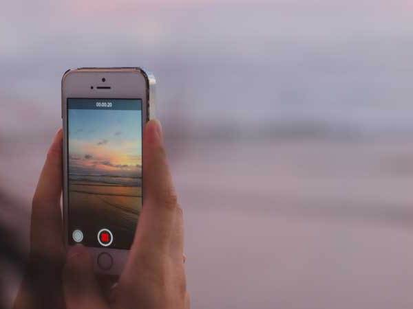 Edit your vacation videos with these 13 amazing video editing apps for iPhones. Create time lapse videos, GIFs, 8mm like videos + more.