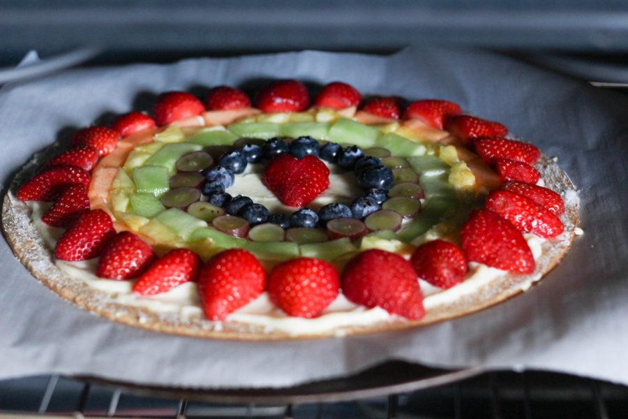 mascarpone-fruit-rainbow-pizza-baking