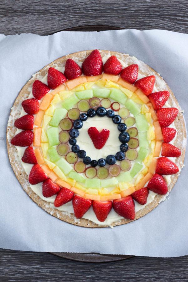 mascarpone-fruit-rainbow-pizza-tutorial