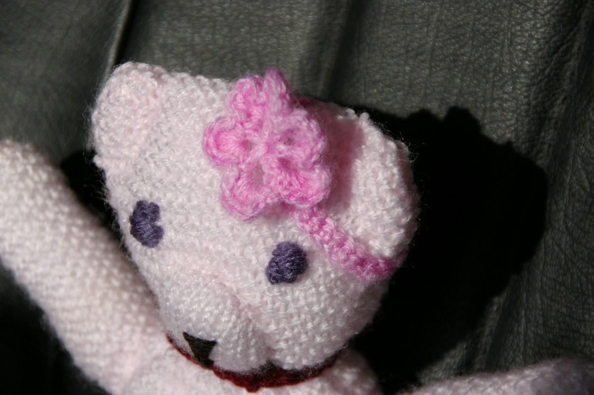 TUTO pas à pas vidéo : Maman ours rose au tricot