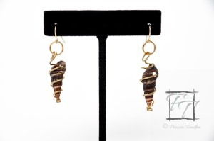 best friends snail shell earrings in gold, Batillaria zonalis, Japanese False Cerith Snail