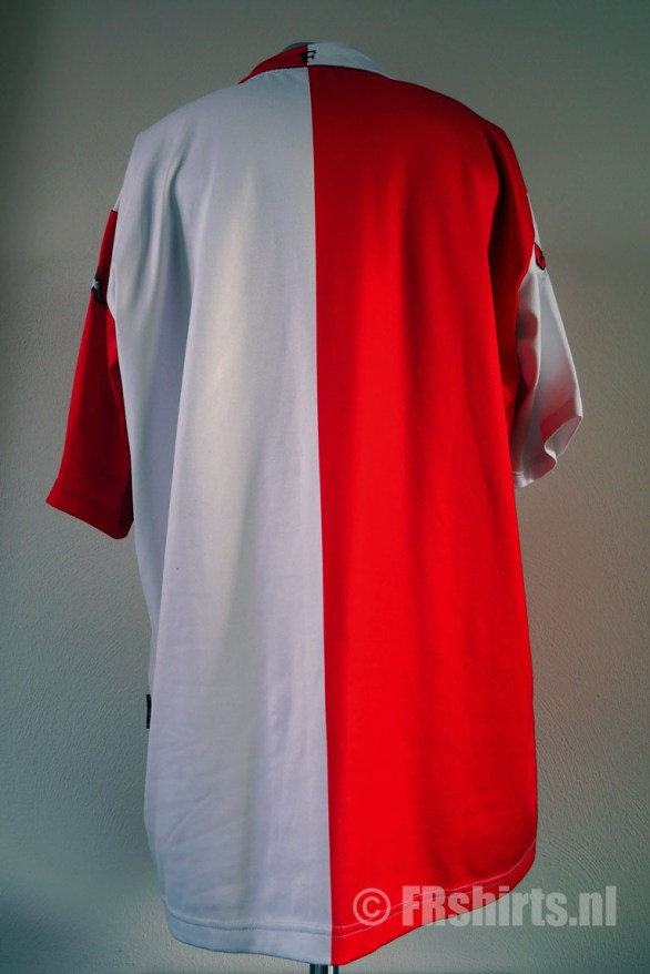 UEFA Cup 2002 Achterkant