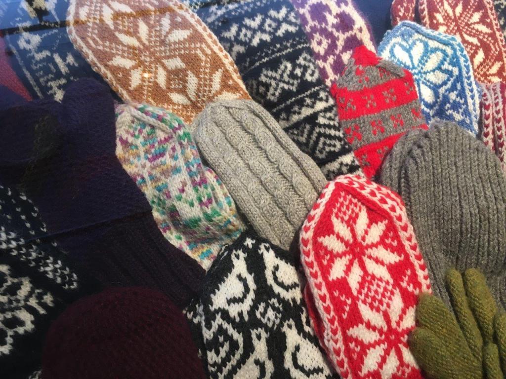 Behalve lekker warm ook een populair souvenir: Noorse wollen wanten. Foto: Fru Amundsen ©