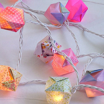 Diy Paper Cubes For Holiday String Lights