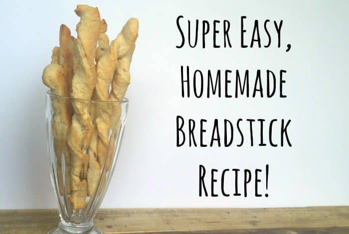 Super easy, homemade breadsticks recipe - easy to make and delicious to eat. This is a great recipe if you're wanting to do some cooking with the kids and it goes great with all sorts of dips and soups.