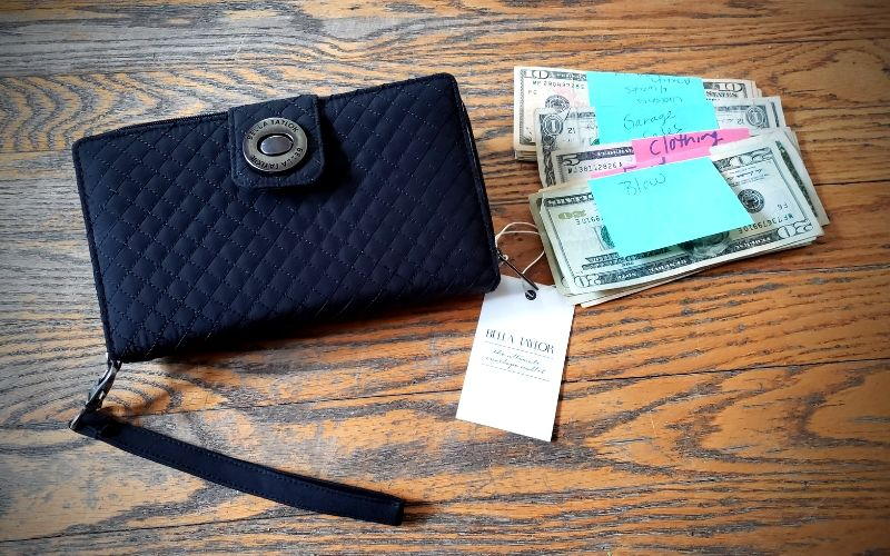 Cash Wallet System Every Mom Needs | Frugal Fun Mom