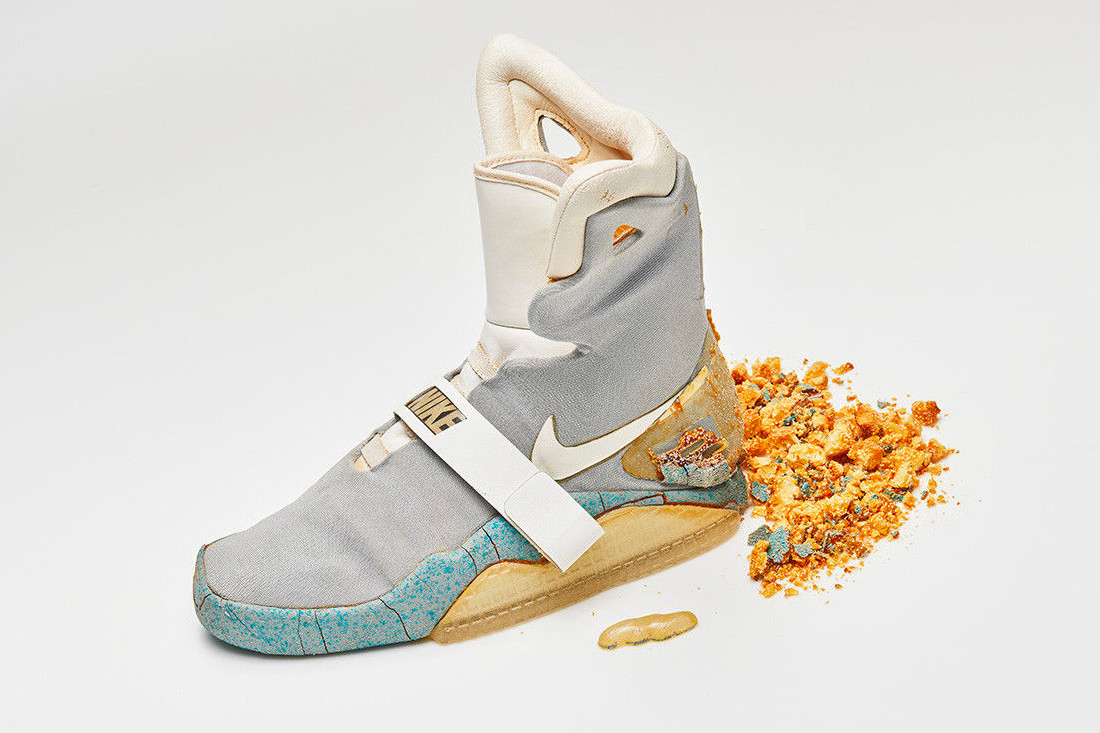 1989 Nike MAG