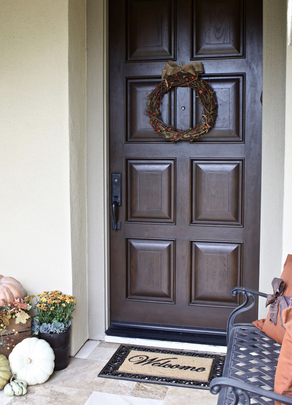 Easy Fall Outdoor Home Decor - FrugElegance