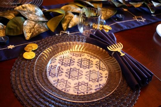 Easy Hanukkah Place Setting | FrugElegance | www.frugelegance.com