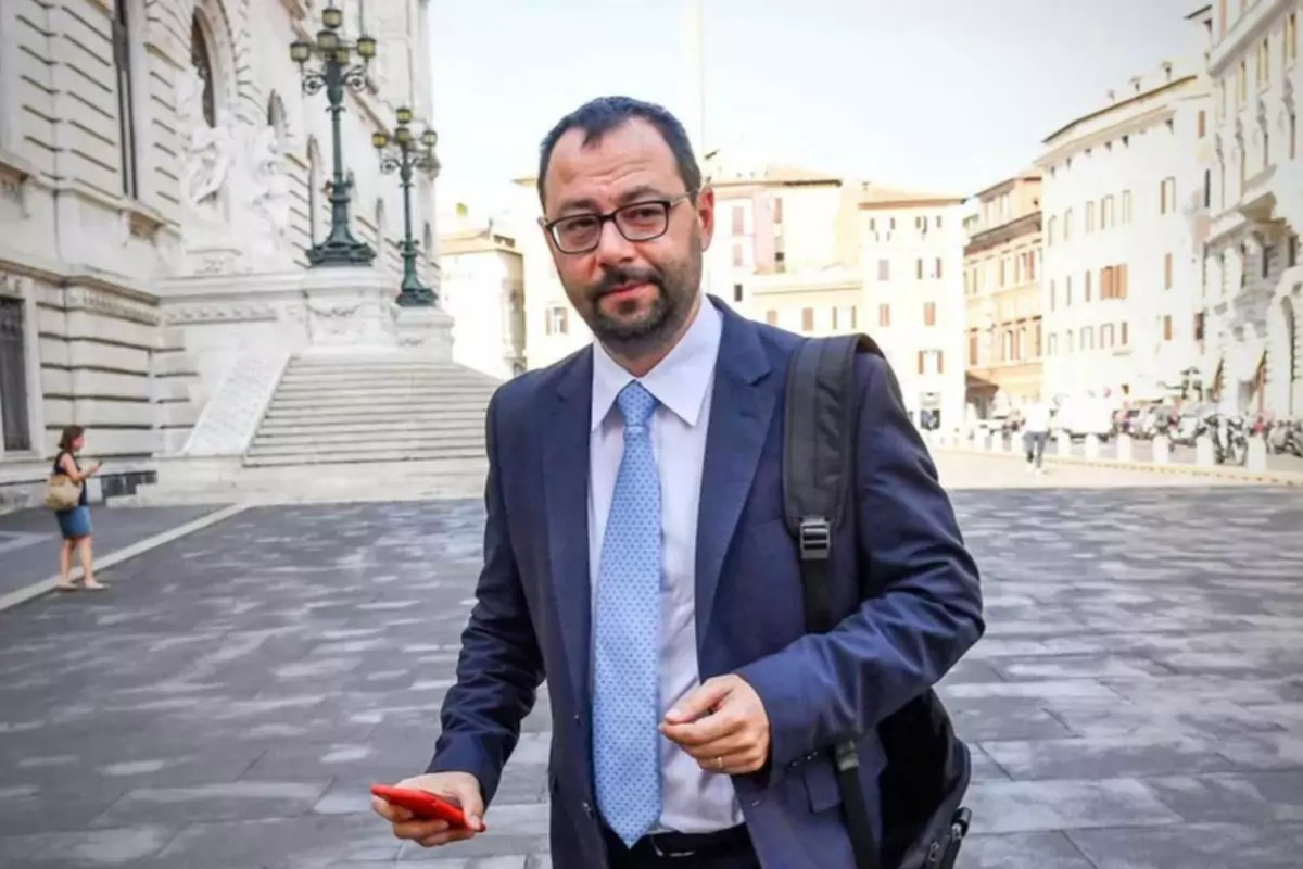 Stefano-Patuanelli-ministro-Agricoltura-Politiche-Agricole-MIPAAF