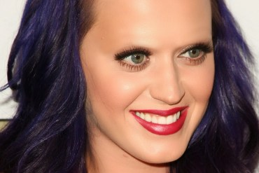 Katie Perry with bleached eyebrows