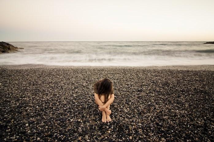 Loneliness (Image: themominmend.com)