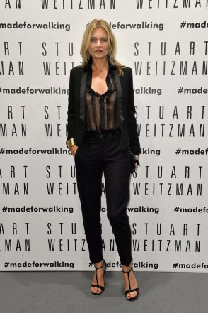 Kate-Moss-wore-black-suit-